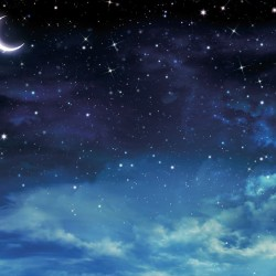 Wallpaper beautiful view of the moon and clouds