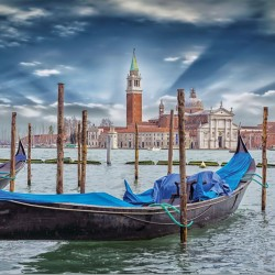 Wallpapers view of Venice with gondola and blue sky